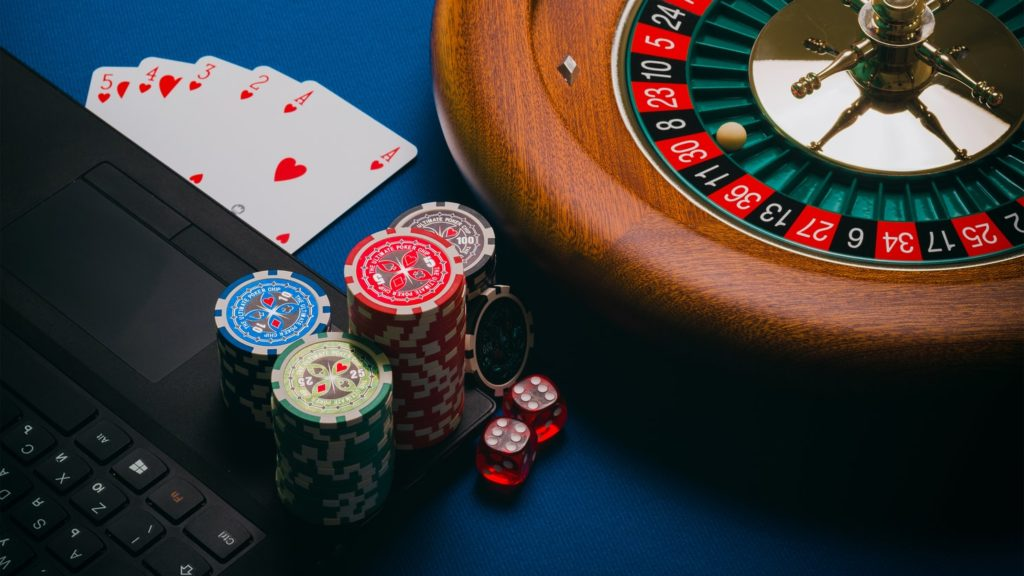 What are the two types of online casinos? - Simon Assoc